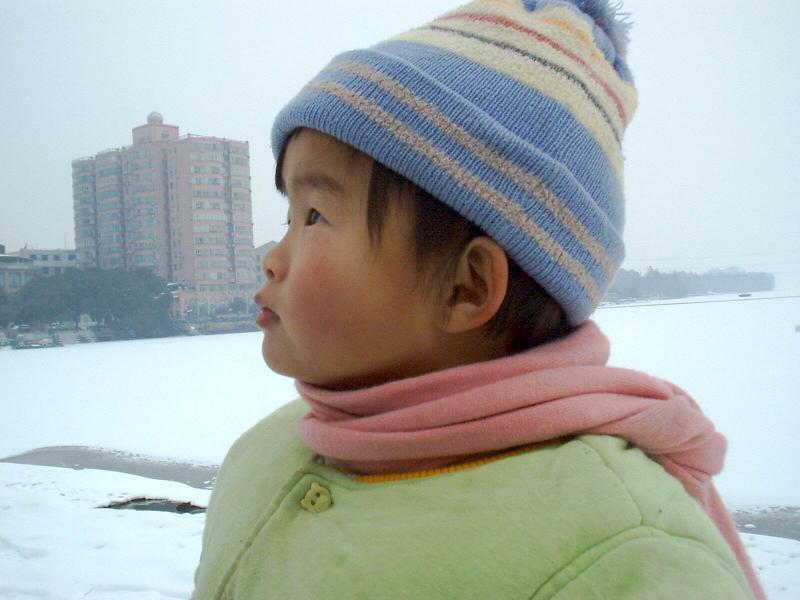 雪封东湖千倾波涛。