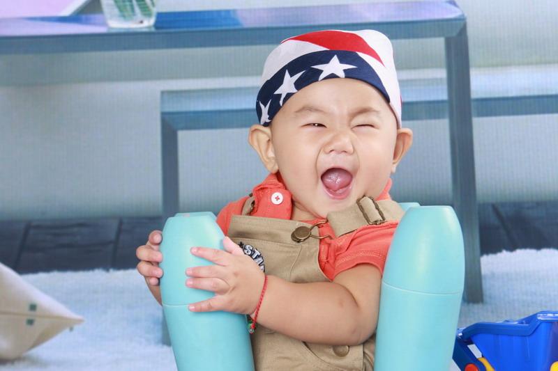 刚出生的婴儿需要捆扎手脚防止畸形生长吗 求助 幼儿护理