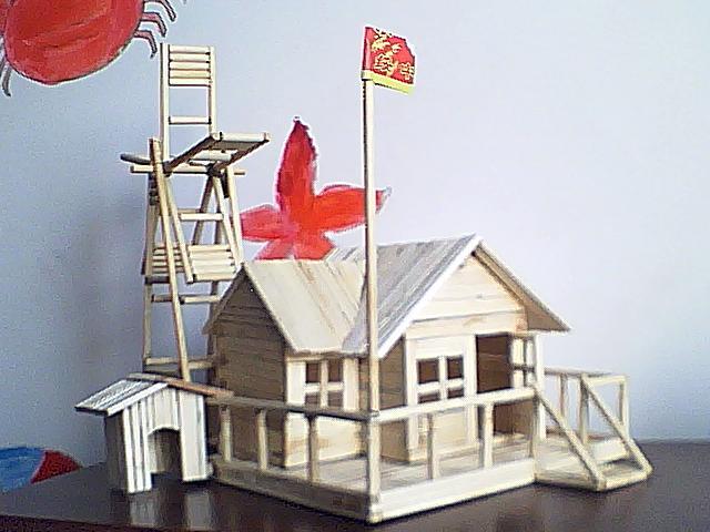 [图]用一次性筷子做的小房子 - 手工坊 - 育儿论坛图片