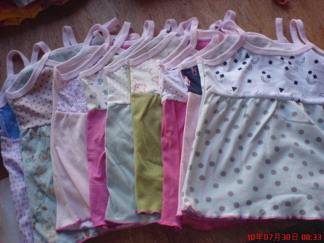 此款吊带适合一岁至3岁女童穿,纯棉布,柔软舒适,8元一件,颜高清图片